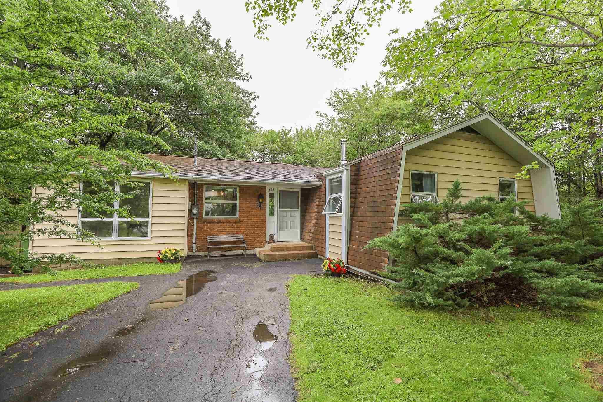 Main Photo: 182 Pinetree Crescent in Hammonds Plains: 21-Kingswood, Haliburton Hills, Hammonds Pl. Residential for sale (Halifax-Dartmouth)  : MLS®# 202117297