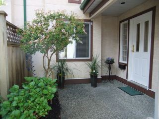 Photo 5: 28 8567 164TH Street in Surrey: Fleetwood Tynehead Townhouse for sale : MLS®# F1303565
