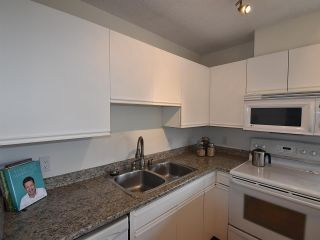 """Photo 7: 606 3970 CARRIGAN Court in Burnaby: Government Road Condo for sale in """"THE HARRINGTON"""" (Burnaby North)  : MLS®# R2044133"""