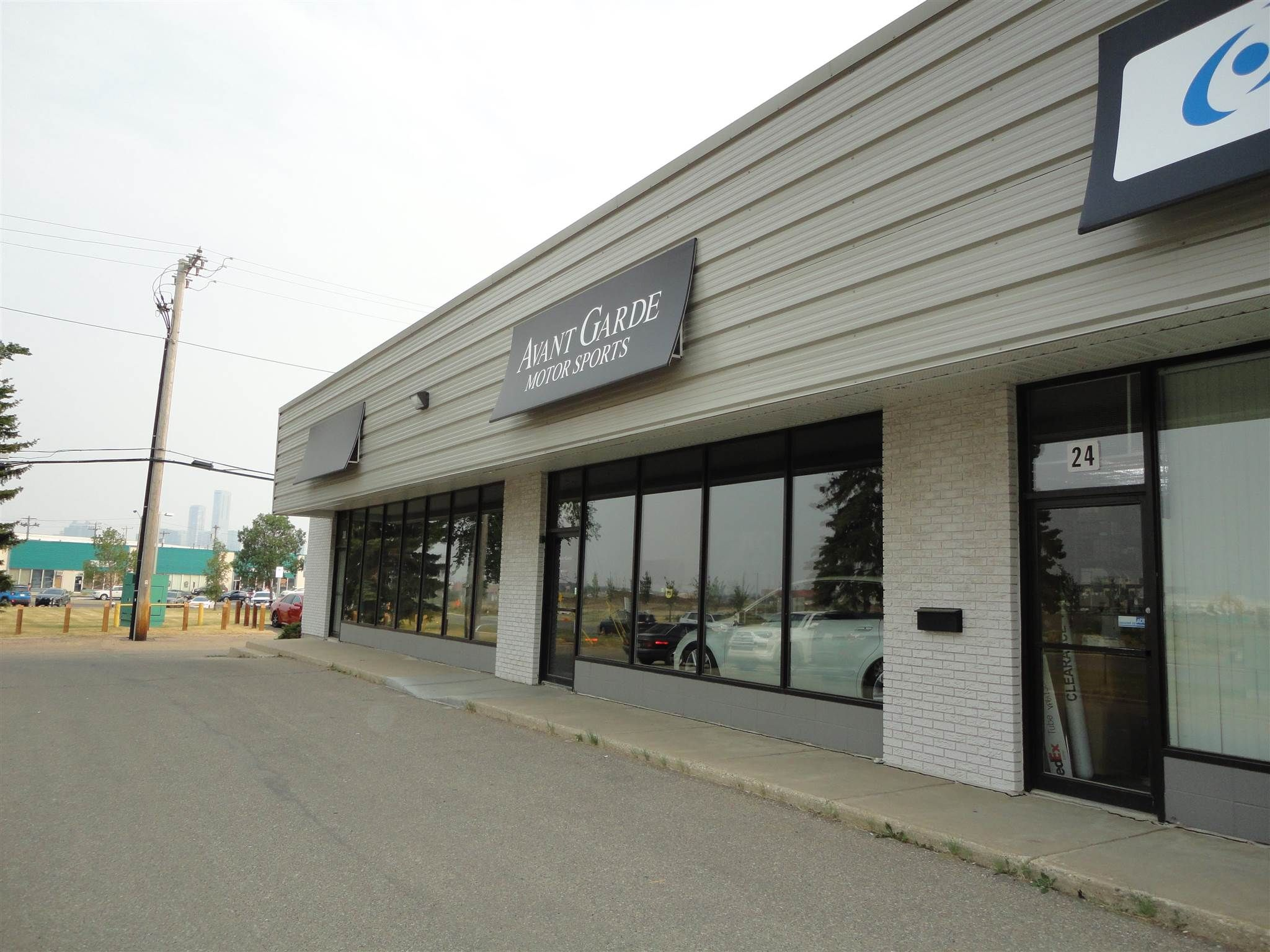 Main Photo: 20 Airport Road SW in Edmonton: Zone 08 Industrial for lease : MLS®# E4255043