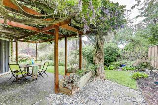 """Photo 16: 7720 TEAKWOOD Place in Vancouver: Champlain Heights Townhouse for sale in """"WOODLANDS"""" (Vancouver East)  : MLS®# R2173091"""
