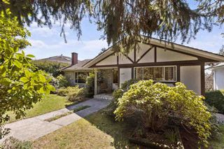 Photo 1: 2314 ROSEDALE Drive in Vancouver: Fraserview VE House for sale (Vancouver East)  : MLS®# R2569771