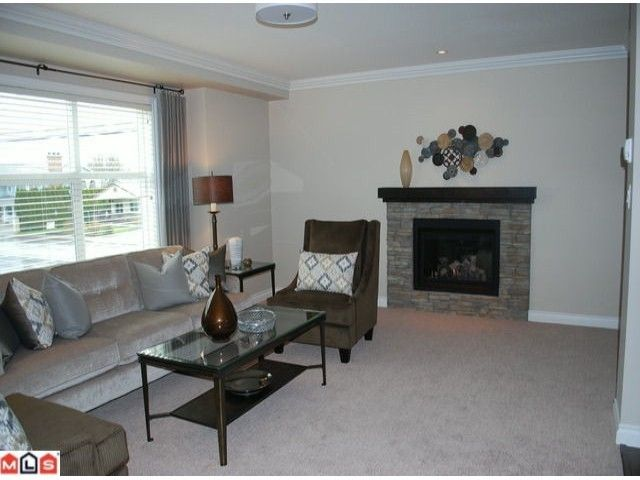 """Photo 3: Photos: 2 1609 AGASSIZ-ROSEDALE Highway: Agassiz Townhouse for sale in """"FRASER GREEN"""" : MLS®# H1104188"""