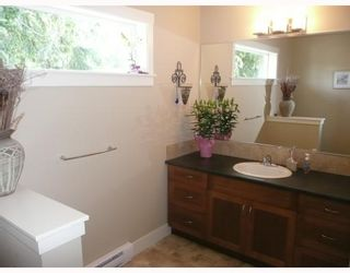 """Photo 7: 6368 PICADILLY Place in Sechelt: Sechelt District House for sale in """"WEST SECHELT"""" (Sunshine Coast)  : MLS®# V774741"""