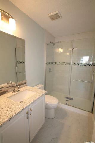 Photo 11: 534 Stillwell Crescent in Swift Current: Highland Residential for sale : MLS®# SK859457