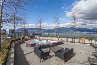 """Photo 26: 2001 108 W CORDOVA Street in Vancouver: Downtown VW Condo for sale in """"Woodwards W32"""" (Vancouver West)  : MLS®# R2465533"""
