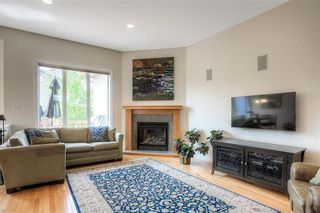 Photo 7: 59 Northport Bay in Winnipeg: Royalwood Single Family Detached for sale (2J)  : MLS®# 202011321