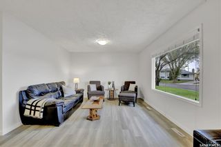 Main Photo: 28 CAMERON Crescent in Regina: Parliament Place Residential for sale : MLS®# SK861096