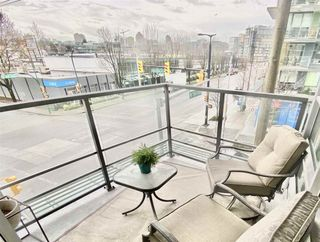 """Photo 9: 303 89 W 2ND Avenue in Vancouver: False Creek Condo for sale in """"Pinnacle Living False Creek"""" (Vancouver West)  : MLS®# R2536464"""