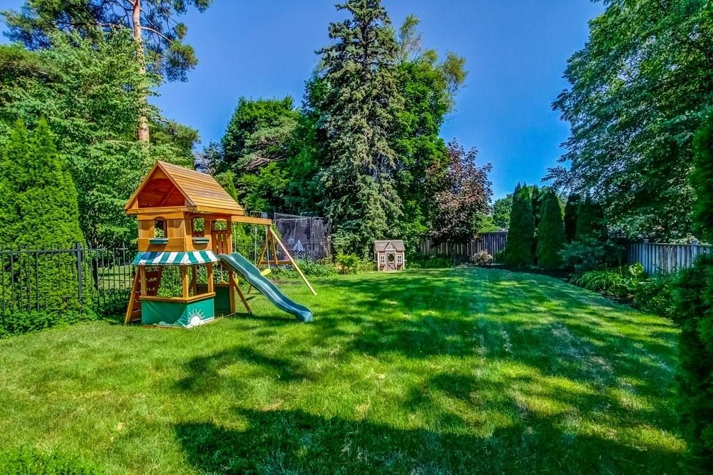Photo 25: Photos: 2095 EMERALD Crescent in Burlington: Residential for sale : MLS®# H4083069