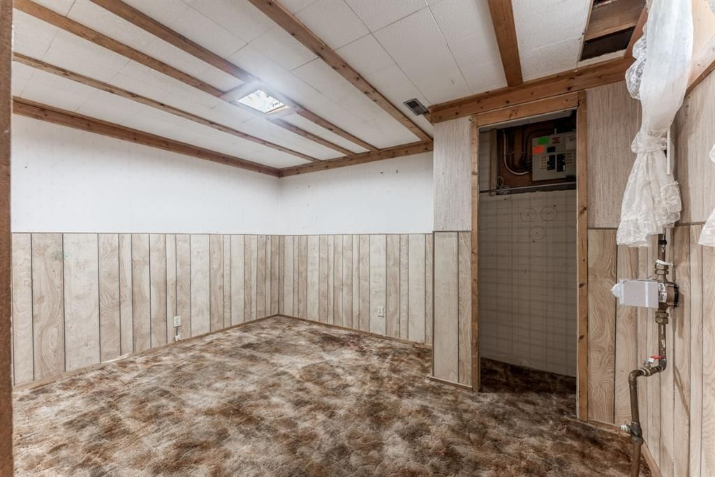 Photo 23: Photos: 534 QUEENSLAND Place SE in Calgary: Queensland Semi Detached for sale : MLS®# A1020359