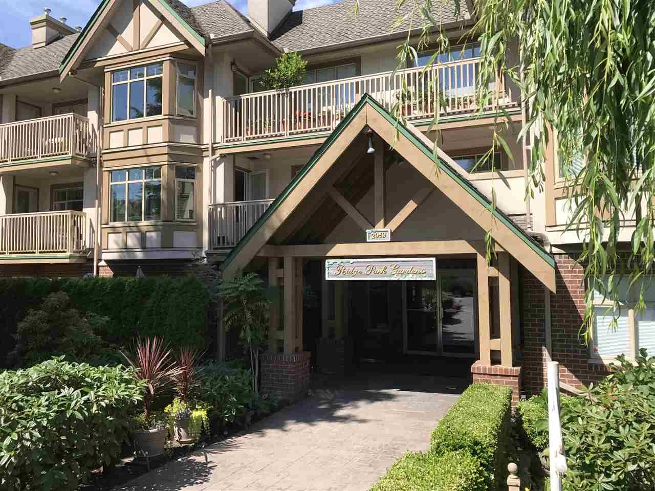 """Main Photo: 413 2059 CHESTERFIELD Avenue in North Vancouver: Central Lonsdale Condo for sale in """"Ridge Park Gardens"""" : MLS®# R2186291"""