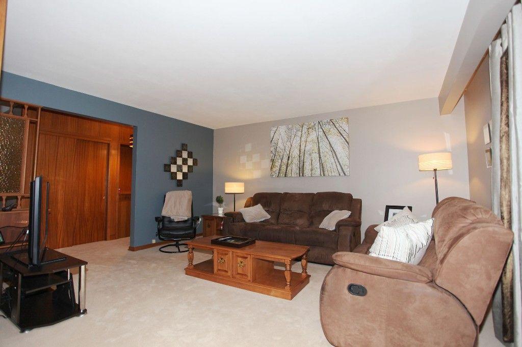 Photo 9: Photos: 407 Wallasey Street in WINNIPEG: Grace Hospital Area Single Family Detached for sale (West Winnipeg)  : MLS®# 1426170