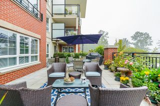 """Photo 42: 210 2940 KING GEORGE Boulevard in Surrey: King George Corridor Condo for sale in """"HIGH STREET"""" (South Surrey White Rock)  : MLS®# R2496807"""