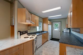 Photo 10: 214 LeBleu Street in Coquitlam: Home for sale : MLS®# V875007