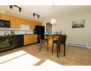 """Photo 4: 3202 1331 ALBERNI Street in Vancouver: West End VW Condo for sale in """"THE LIONS"""" (Vancouver West)  : MLS®# V660192"""