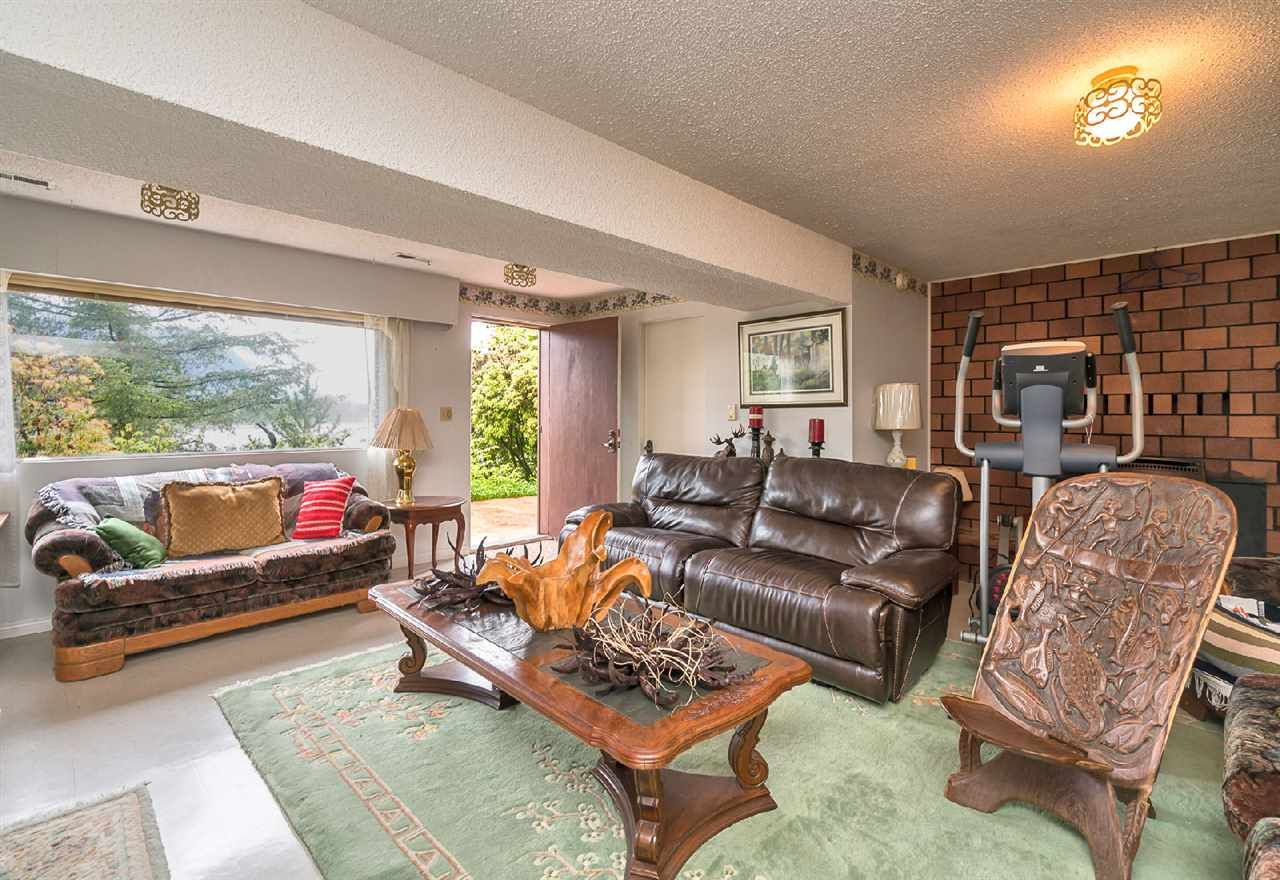 """Photo 14: Photos: 42831 OLD ORCHARD Road in Chilliwack: Chilliwack Mountain House for sale in """"CHILLIWACK MOUNTAIN"""" : MLS®# R2202760"""