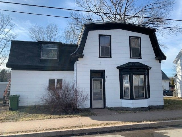 Main Photo: 409 Pleasant Street in New Glasgow: 106-New Glasgow, Stellarton Multi-Family for sale (Northern Region)  : MLS®# 202105821