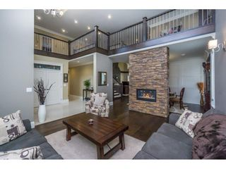 Photo 4: 2273 CHARDONNAY Lane in Abbotsford: Aberdeen House for sale : MLS®# R2094873