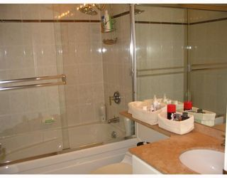 """Photo 22: 1408 1500 HORNBY Street in Vancouver: False Creek North Condo for sale in """"888 BEACH"""" (Vancouver West)  : MLS®# V720670"""