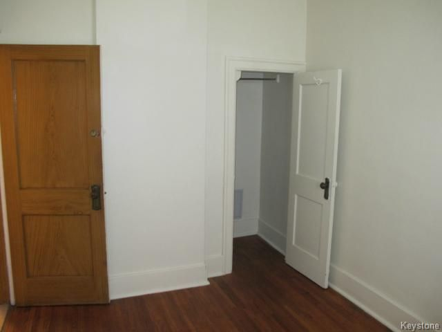 Photo 11: Photos:  in WINNIPEG: North End Residential for sale (North West Winnipeg)  : MLS®# 1404958