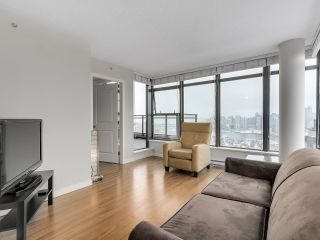 "Photo 6: 1507 1068 W BROADWAY in Vancouver: Fairview VW Condo for sale in ""The Zone"" (Vancouver West)  : MLS®# R2137350"