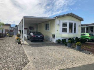 Photo 1: 37 9055 ASHWELL Road in Chilliwack: Chilliwack W Young-Well Manufactured Home for sale : MLS®# R2389074