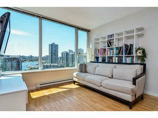 "Photo 3: 2005 33 SMITHE Street in Vancouver: Yaletown Condo for sale in ""Coopers Lookout"" (Vancouver West)  : MLS®# V1075004"