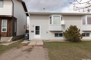 Photo 3: 106-108 Hedley Street in Saskatoon: Forest Grove Residential for sale : MLS®# SK850638