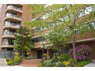 """Photo 10: 910 1450 PENNYFARTHING Drive in Vancouver: False Creek Condo for sale in """"HARBOUR COVE"""" (Vancouver West)  : MLS®# V831435"""