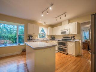 "Photo 3: 8130 CEDARWOOD Road in Halfmoon Bay: Halfmn Bay Secret Cv Redroofs House for sale in ""WELCOME WOODS"" (Sunshine Coast)  : MLS®# R2228689"