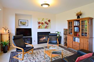 Photo 9: SAN DIEGO House for sale : 5 bedrooms : 10654 Arbor Heights Ln