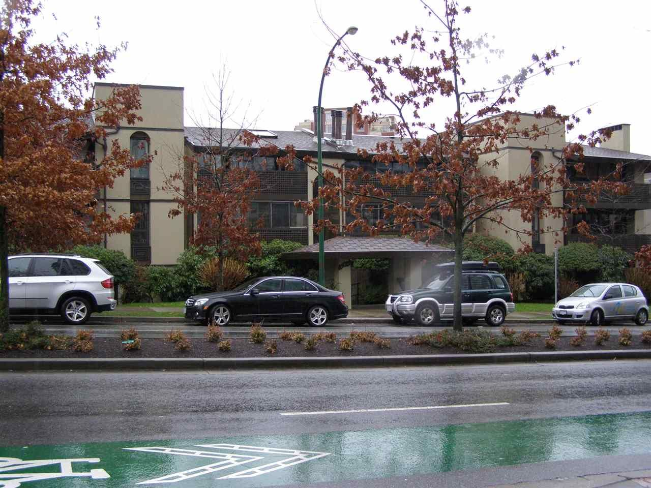 """Main Photo: 309 141 W 13TH Street in North Vancouver: Central Lonsdale Condo for sale in """"TRAMORE HOUSE"""" : MLS®# R2024065"""