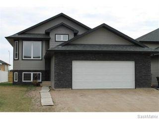 Photo 2: 803 Weisdorff Place: Warman Single Family Dwelling for sale (Saskatoon NW)  : MLS®# 537473