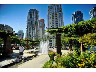 "Photo 17: 1190 RICHARDS Street in Vancouver: Yaletown Townhouse for sale in ""Park Plaza"" (Vancouver West)  : MLS®# V1122605"