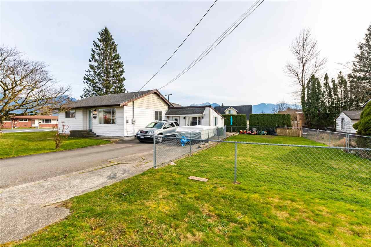 Main Photo: 46580 BROOKS AVENUE in Chilliwack: Chilliwack E Young-Yale House for sale : MLS®# R2550814