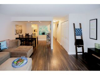 Photo 5: 22737 GILLEY AV in Maple Ridge: East Central Condo for sale : MLS®# V1108009
