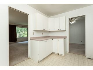 """Photo 12: 3625 208 Street in Langley: Brookswood Langley House for sale in """"Brookswood"""" : MLS®# R2496320"""