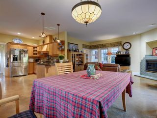 Photo 11: 513 Foul Bay Rd in : Vi Fairfield East House for sale (Victoria)  : MLS®# 871960