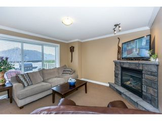 """Photo 4: 21 46778 HUDSON Road in Sardis: Promontory Townhouse for sale in """"COBBLESTONE TERRACE"""" : MLS®# R2235852"""
