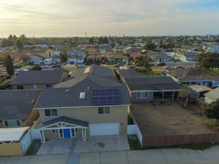 Photo 7: IMPERIAL BEACH House for sale : 4 bedrooms : 935 Emory St