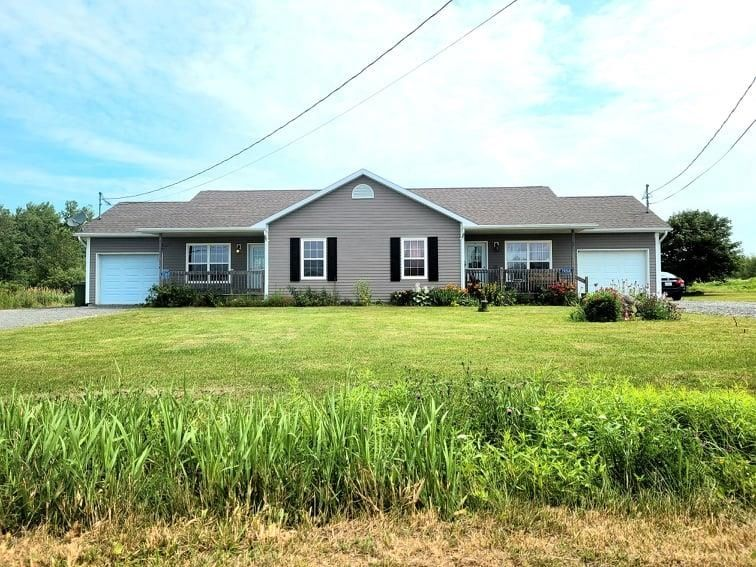 Main Photo: 7058 & 7060 Aylesford Road in Aylesford: 404-Kings County Multi-Family for sale (Annapolis Valley)  : MLS®# 202119071