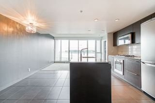 "Photo 7: 613 522 W 8TH Avenue in Vancouver: Fairview VW Condo for sale in ""Crossroads"" (Vancouver West)  : MLS®# R2558030"