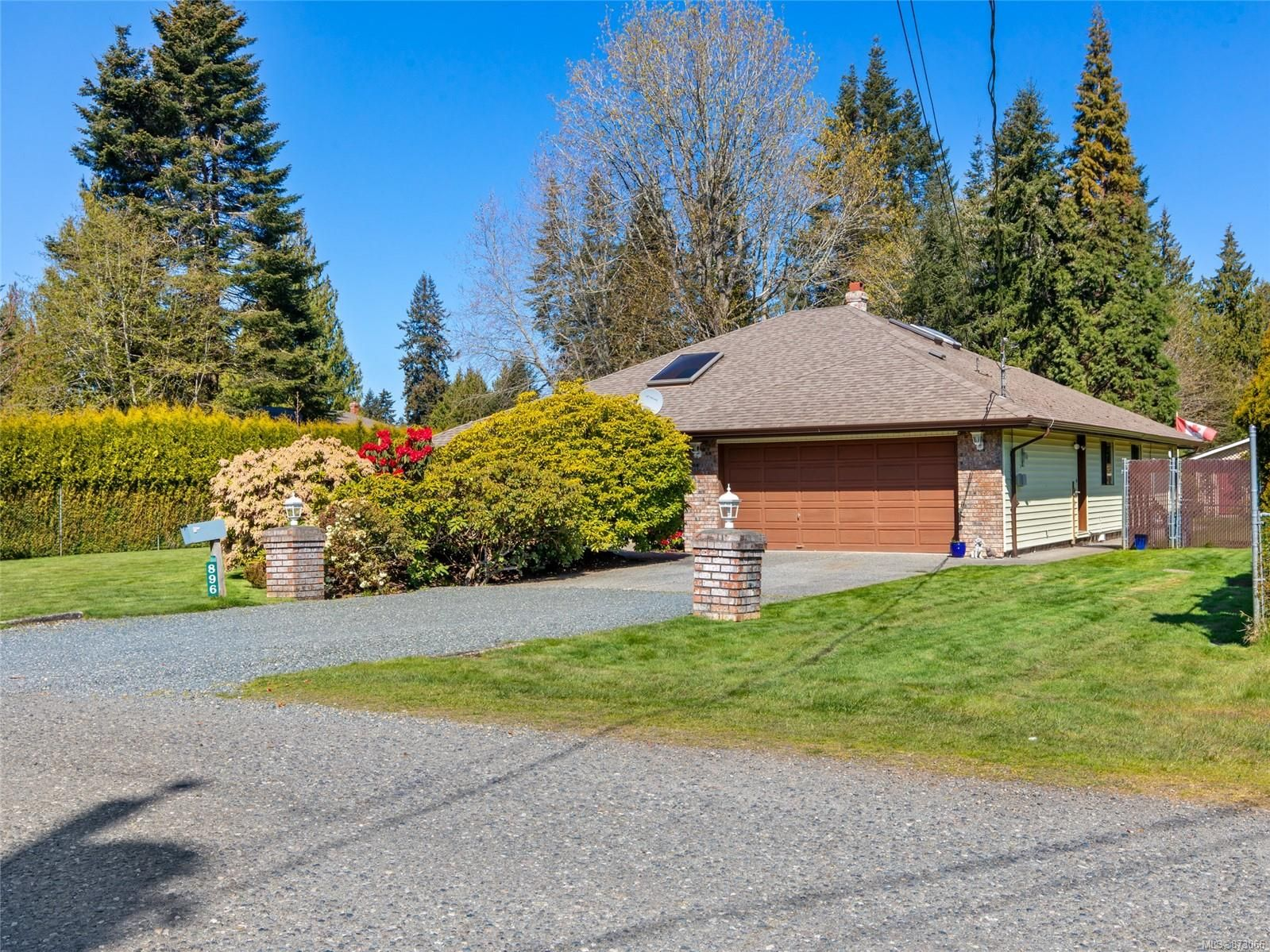 Main Photo: 896 Terrien Way in : PQ Parksville House for sale (Parksville/Qualicum)  : MLS®# 873066