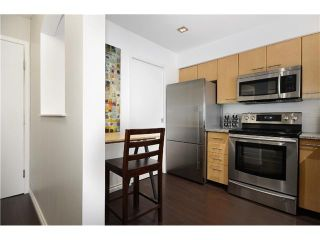 Photo 3: # 306 8495 JELLICOE ST in Vancouver: Fraserview VE Condo for sale (Vancouver East)  : MLS®# V1026912
