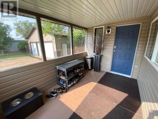 Photo 4: 5238/42 48 Street in Mayerthorpe: House for sale : MLS®# A1134539