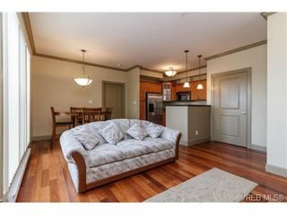 Photo 5: 207 1642 McKenzie Ave in VICTORIA: SE Lambrick Park Condo for sale (Saanich East)  : MLS®# 695484