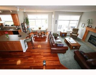 Photo 3:  in CALGARY: Valley Ridge Residential Detached Single Family for sale (Calgary)  : MLS®# C3258868
