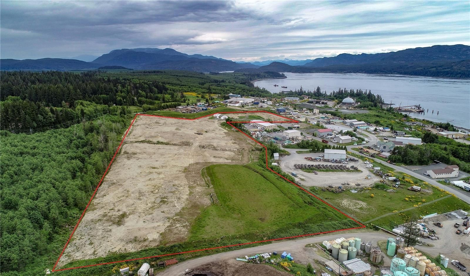Photo 3: Photos: 4300 Midport Rd in : CR Campbell River North Business for sale (Campbell River)  : MLS®# 863086