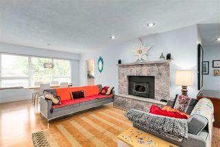 Photo 5: 13870 BLACKBURN Avenue: White Rock House for sale (South Surrey White Rock)  : MLS®# R2592352